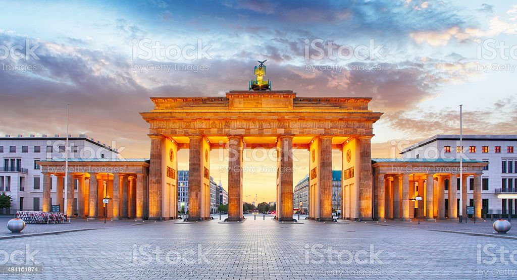 Berlin-Brandenburg Gate Bridge bei Nacht – Foto