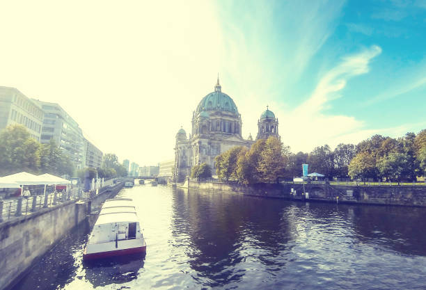 berlin cathedral (berliner dom), germany - brücke museum berlin stock-fotos und bilder