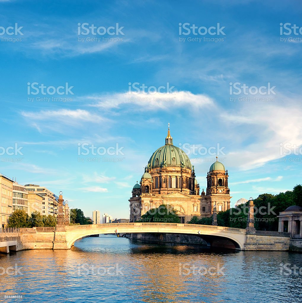 Berlin Cathedral over Spree river, panorama image – Foto