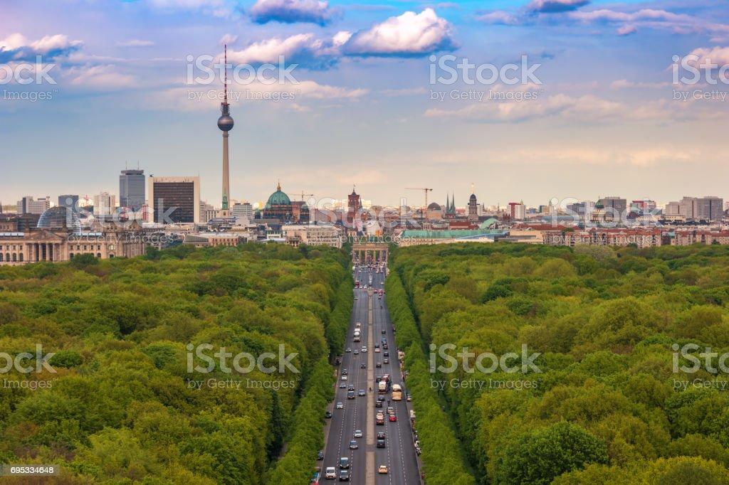 Berlin Skyline und Tiergarten, Berlin, Deutschland – Foto