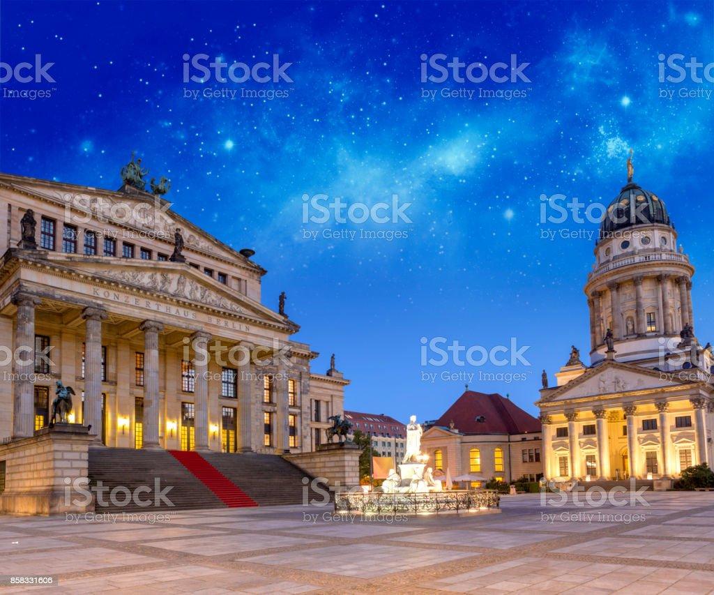 Berlin Deutschland Gendarmenmarkt Square im Morgengrauen – Foto