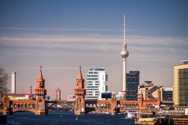 Berlin Kreuzberg Oberbaumbrücke – Foto
