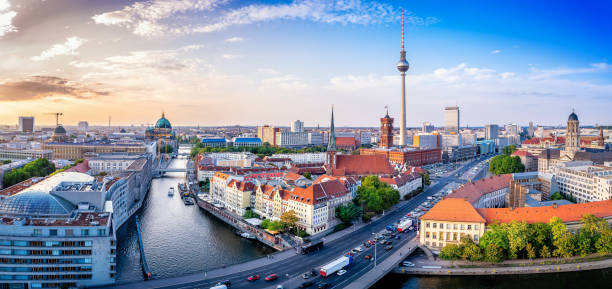 Berlin panoramic view at the berlin city center berlin stock pictures, royalty-free photos & images