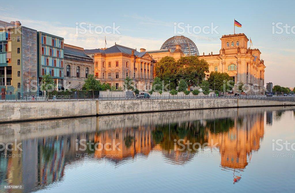 Berliner Reichstag. Reichstag in Berlin, Deutschland. – Foto