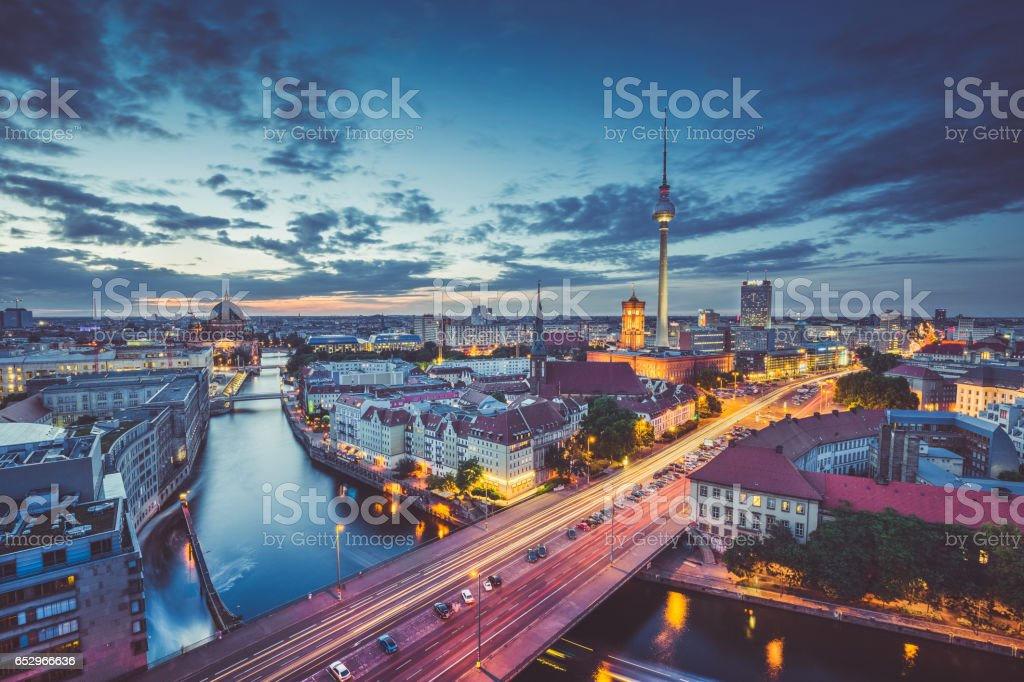 Berlin skyline panorama in twilight during blue hour, Germany – Foto