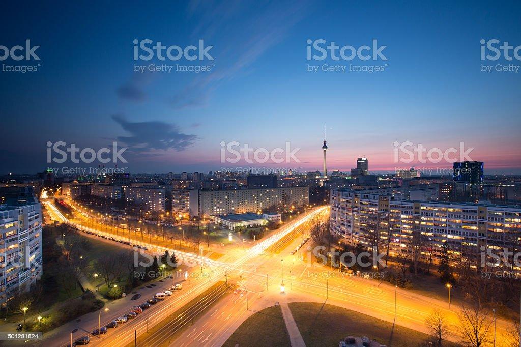 Berlin skyline mit Fernsehturm - Lizenzfrei Abenddämmerung Stock-Foto