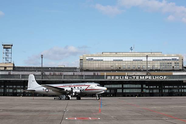 flughafen berlin-tempelhof - berlin tempelhof stock-fotos und bilder