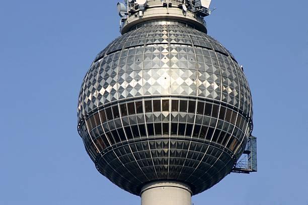 berliner fernsehturm teil - herpens stock-fotos und bilder