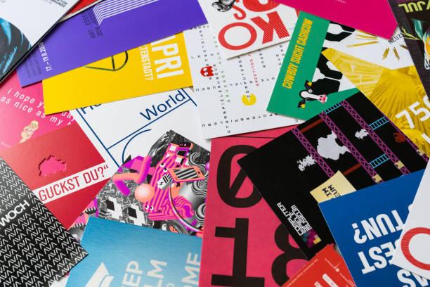 die typografie berlin - druckerzeugnis stock-fotos und bilder