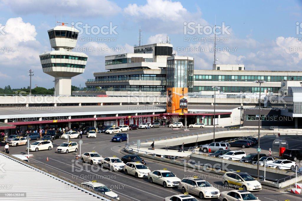 Aeroporto Internacional de Berlim-Tegel - foto de acervo