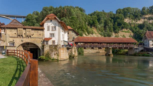 Pont de Berne et la rivière Sarine - Fribourg - Suisse - Photo