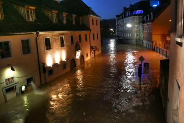 überschwemmung 4 - wasser stock pictures, royalty-free photos & images