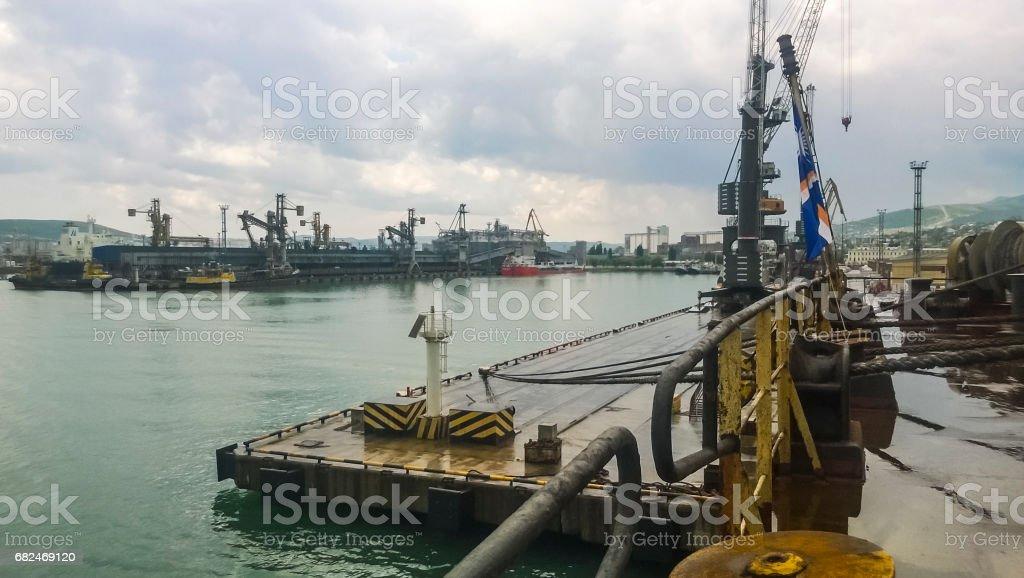 Liegeplatz im Hafen. Industrielle Frachthafen Lizenzfreies stock-foto
