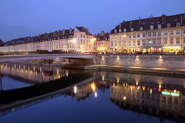 Besançon bei Nacht, Frankreich – Foto