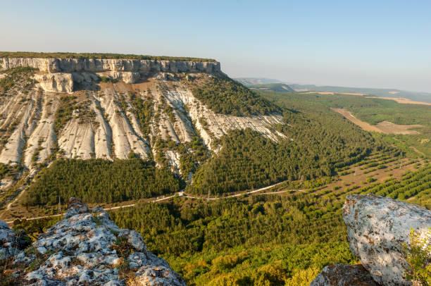 besh kosh mountain plateau - плато стоковые фото и изображения