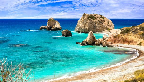 best beaches of cyprus - petra tou romiou, famous as a birthplace of aphrodite - cyprus стоковые фото и изображения