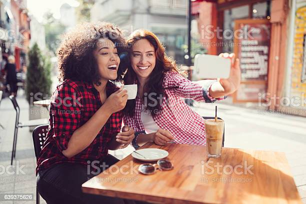 Best friends drinking coffee and taking photos picture id639375626?b=1&k=6&m=639375626&s=612x612&h=21uzhx8tpvtceckrz  6 q7zwcyhc9smqgbp cgtl y=