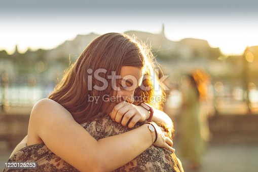 istock Best friends 1220125253