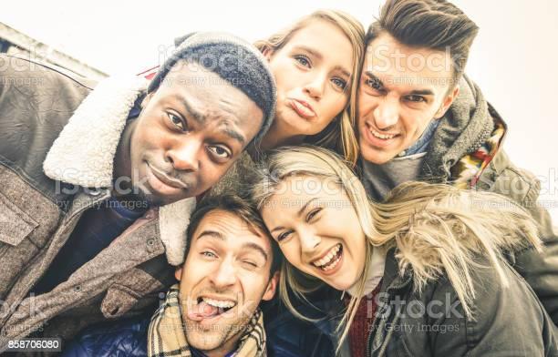 Best friends taking selfie outdoor on autumn winter clothes happy picture id858706080?b=1&k=6&m=858706080&s=612x612&h=jlh4jadzmhasgoaonvkpu8pi6yllpvo947igl1jksxu=