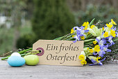 German-language greeting card for Easter with the text Best regards for Easter