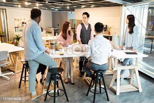 609072850 istock photo Best way for business team  operate successful 1215414026