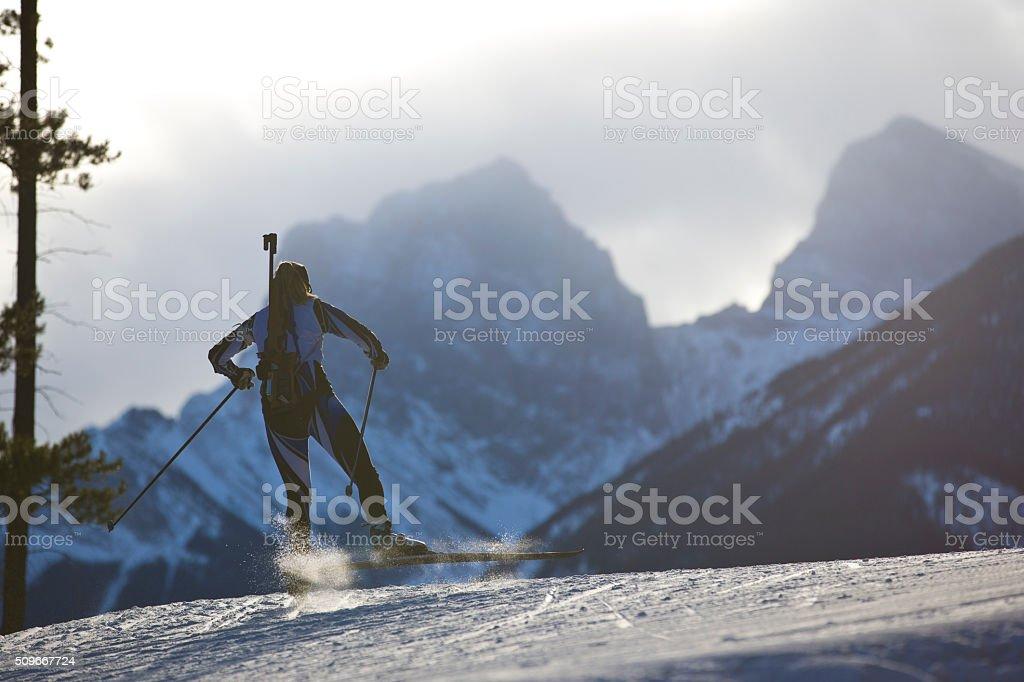 Corredor de esqui e biatlo feminino - foto de acervo