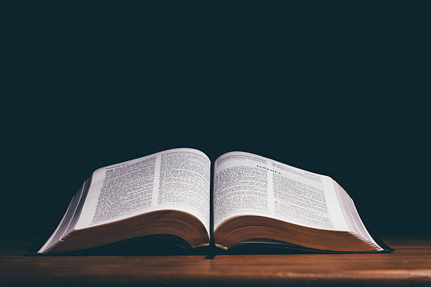 Biblia abierta stock photo