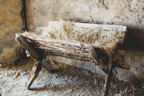 biblical manger crib - nativity scene stock pictures, royalty-free photos & images