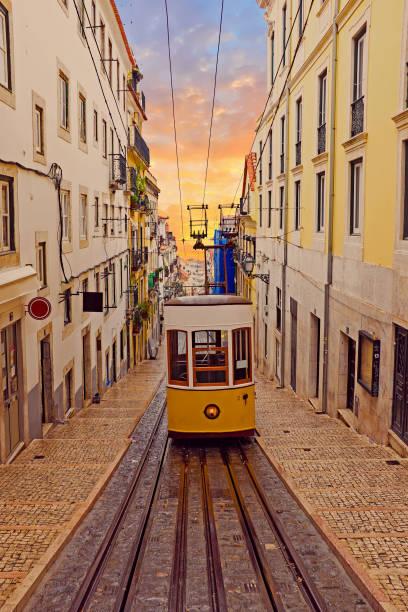 bica tram in lisbon portugal - eletrico lisboa imagens e fotografias de stock