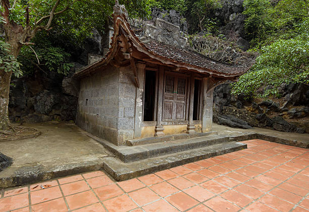 bich dong-pagode in der provinz ninh binh, vietnam.  thuong-pagode - holu stock-fotos und bilder