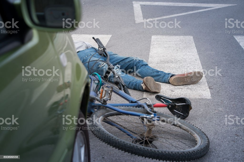 Accidente de bicicleta  - foto de stock