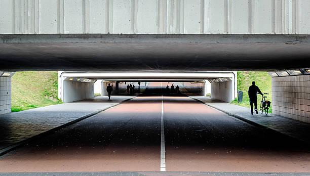 bicycle and pedestrian crossings - eindhoven city stockfoto's en -beelden