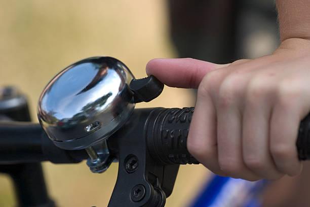 campanello per bicicletta - squillare foto e immagini stock