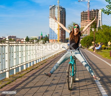 istock bicycle city 493935036