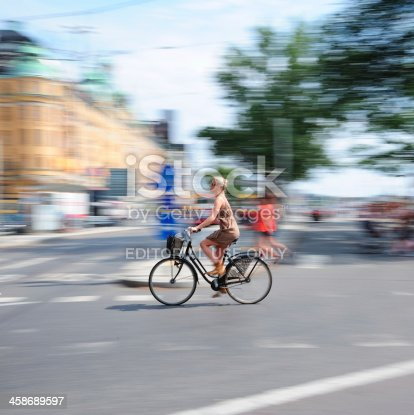 863454090 istock photo Bicycle in motion 458689597