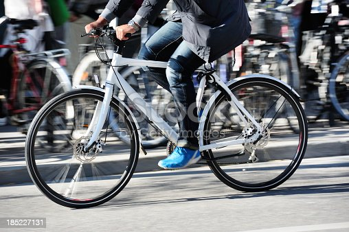 863454090 istock photo Bicycle in motion, profile 185227131