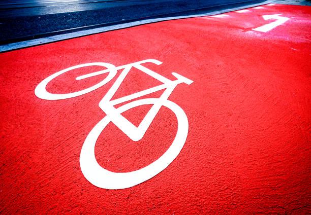 bicycle lane  - radwege deutschland stock-fotos und bilder