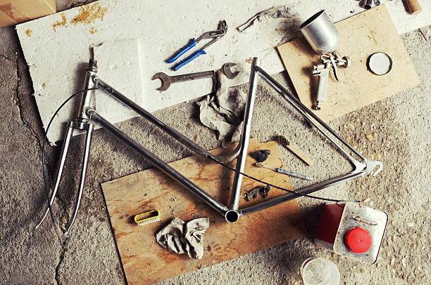 bicicleta de recuperación - bastidor de la bicicleta fotografías e imágenes de stock