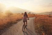 istock bicycle roadtrip 187573792