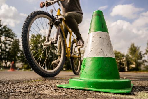 Entrenamiento De Seguridad Bicicleta Foto de stock y más banco de imágenes de Accidente de automóvil