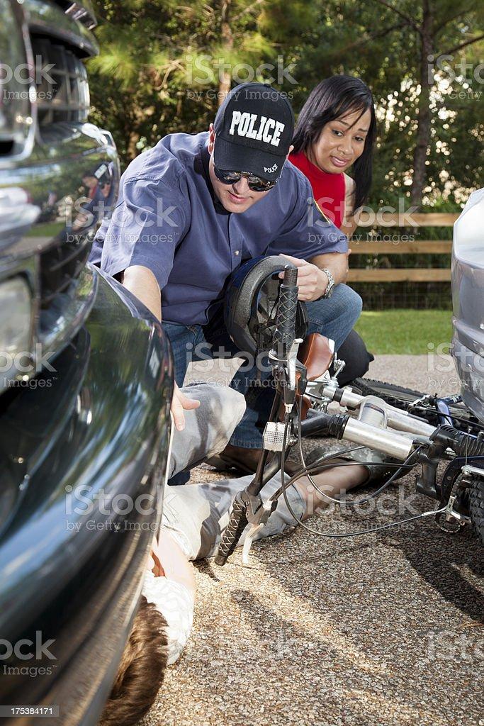 Bicicleta veículo em caso de acidente - foto de acervo