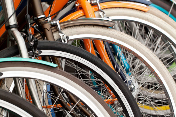 ruote per biciclette, primo - ciclismo foto e immagini stock