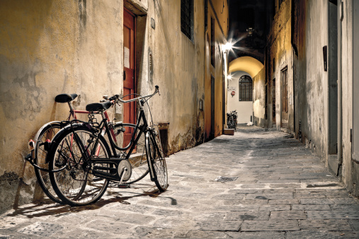 Bicycles in a Dark Alley, HDR Firenze at Night