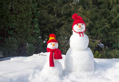 big and little snowmen