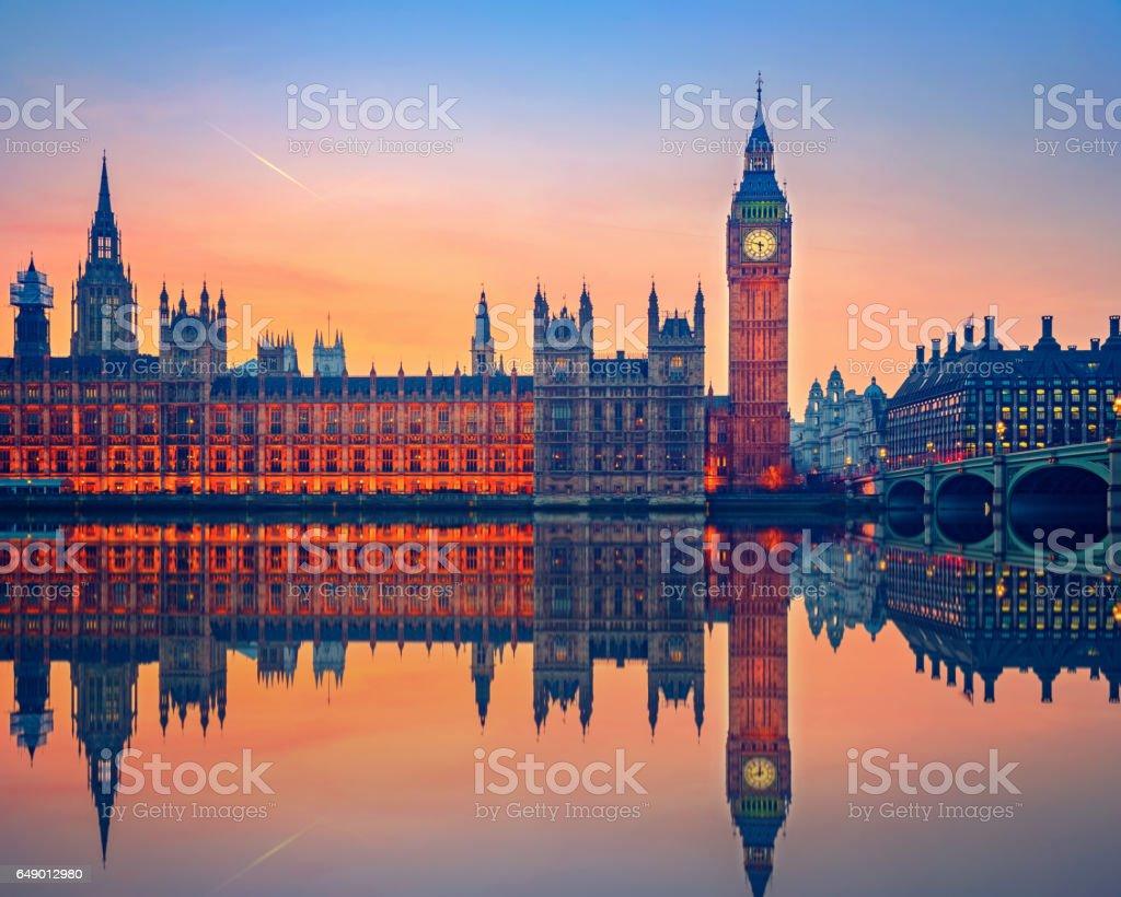 El Big Ben y casas del parlamento, Londres - foto de stock