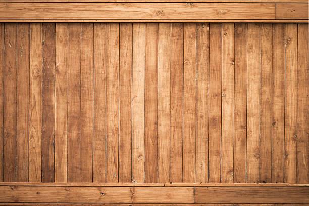 grande parete di legno marrone con sfondo texture asse - bosco foto e immagini stock