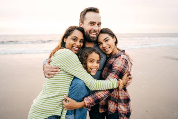 큰 가족 포옹 스톡 사진
