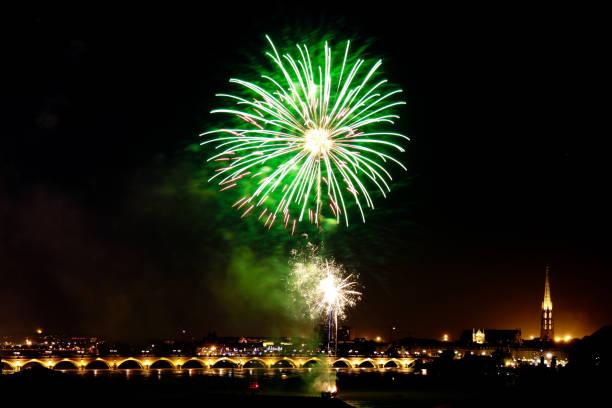 big fireworks in sky for celebration - fourth of july стоковые фото и изображения