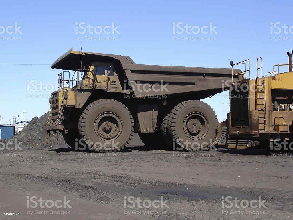 ビッグホールトラックの採鉱 - カラー画像のロイヤリティフリーストックフォト