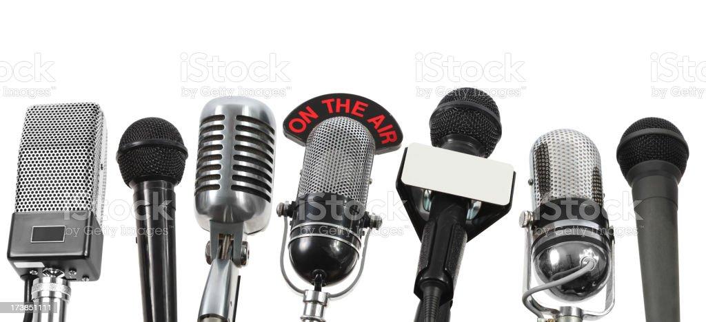 Grande entrevista com 7 microfones - foto de acervo